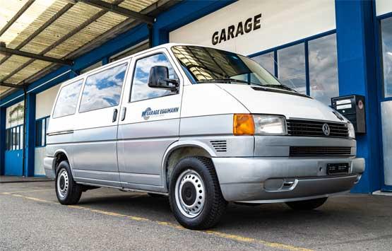 VW Bus mit Ladefläche